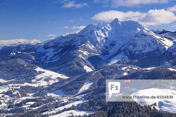 Ballonflug im Tiroler Unterinntal Richtung St. Johann