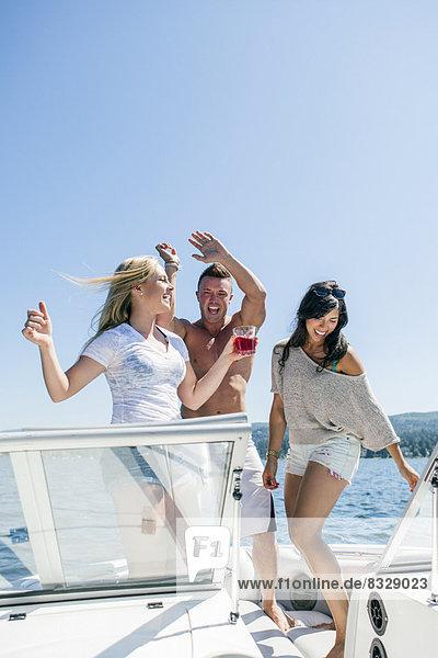 Mensch  Menschen  jung  Spaß  Motorboot