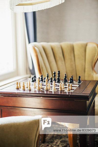 leer  Zimmer  Sessel  Schach