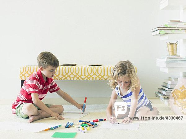 sitzend  Boden  Fußboden  Fußböden  Zeichnung  5-9 Jahre  5 bis 9 Jahre