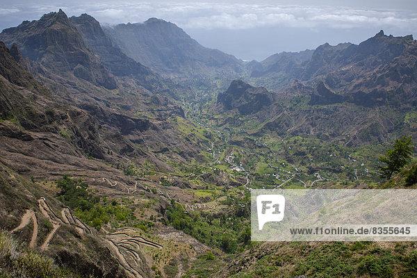 Steile Wanderwege im Paúl-Tal  Insel Santo Antão  Kap Verde