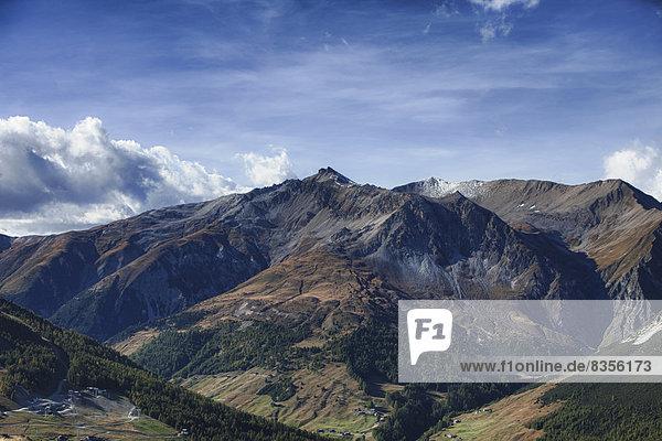 Ausblick ins Tal Val Federia mit Piz Cassana  Livigno  Provinz Sondrio  Lombardei  Italien