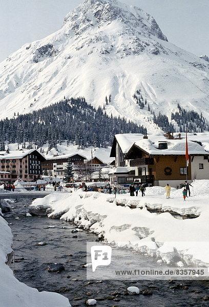 Stadt Alpen Wintersportort Lech Österreich österreichisch