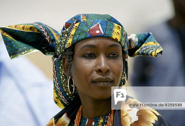 Westafrika  Frau  geselliges Beisammensein  Festival  Teilnahme  Kultur  Volksstamm  Stamm  Nigeria