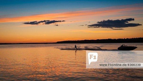 Mann Wasserski  Lulea  Lappland  Schweden
