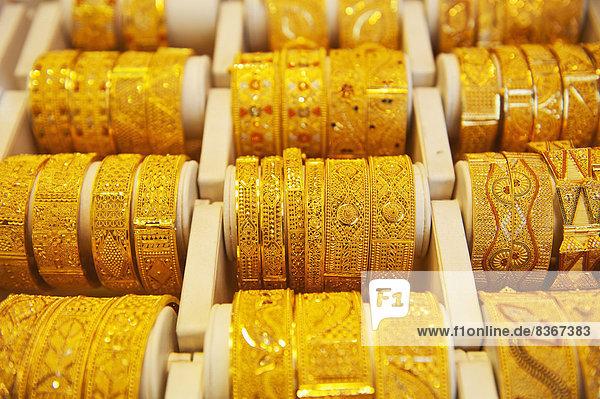 Vereinigte Arabische Emirate  VAE  Gold  verkaufen  Armband  Souk  Dubai
