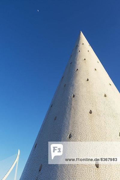 kegelförmig  Kegel  Detail  Details  Ausschnitt  Ausschnitte  Wissenschaft  Großstadt  Kunst  Spanien