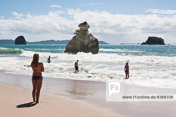 Fröhlichkeit  Mensch  Menschen  Strand  Urlaub  neu