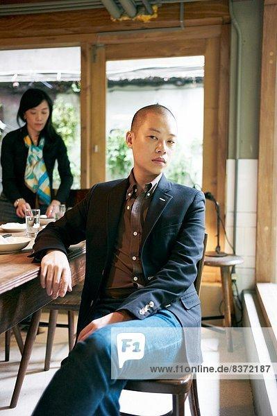 Taipeh  Hauptstadt  Portrait  nehmen  Tradition  Restaurant  Besuch  Treffen  trifft  Designer  Gericht  Mahlzeit  Taiwan  Atmosphäre  Mode  neu