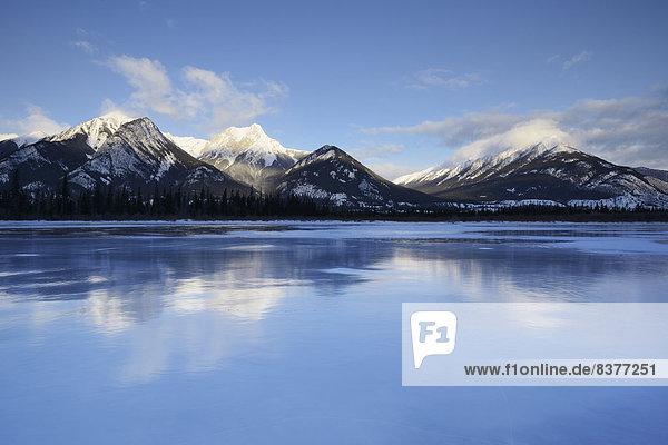 See  Jasper Nationalpark  Rocky Mountains  Alberta  Kanada  kanadisch