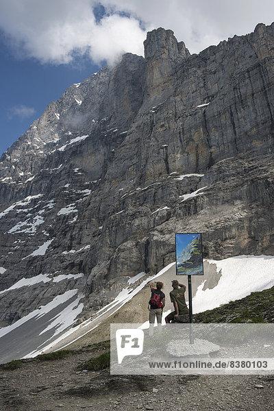 folgen wandern Alpen Aletschgletscher Tisch Eiger Information UNESCO-Welterbe Grindelwald schweizerisch Schweiz Kanton Bern