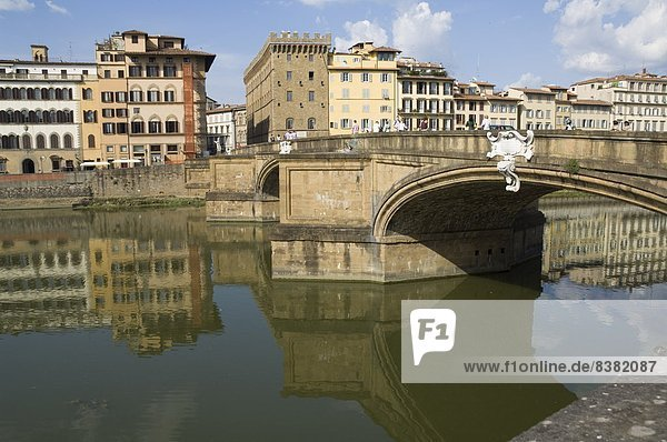 River Arno  Florence (Firenze)  Tuscany  Italy  Europe
