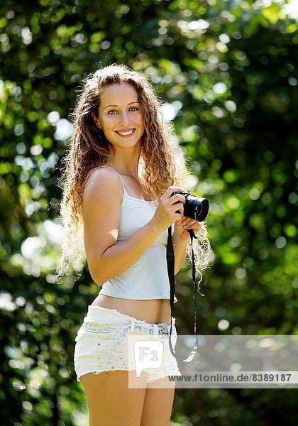 Europäer  Frau  jung  Außenaufnahme