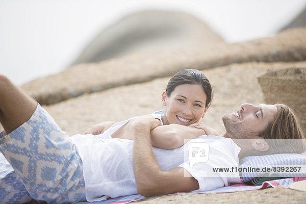 Gemeinsam am Strand entspannen