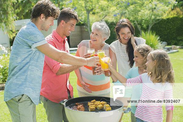 Familientoast beim Grillen