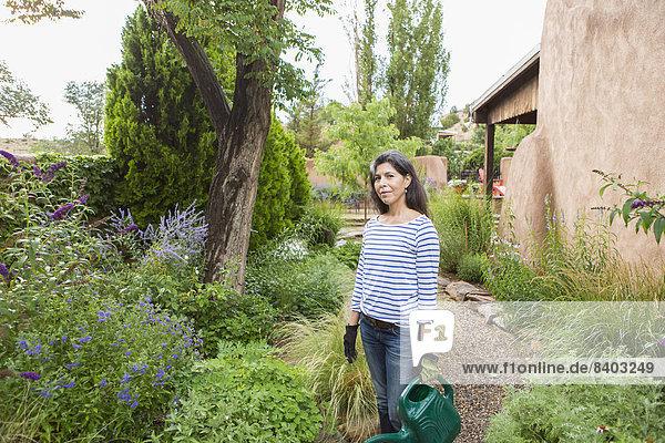 Wasser Frau Blume Hispanier Garten