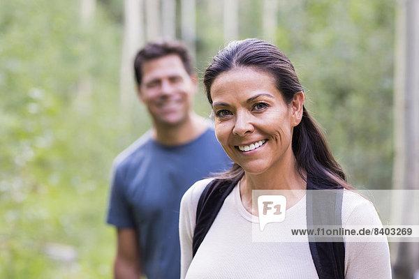 lächeln  Wald