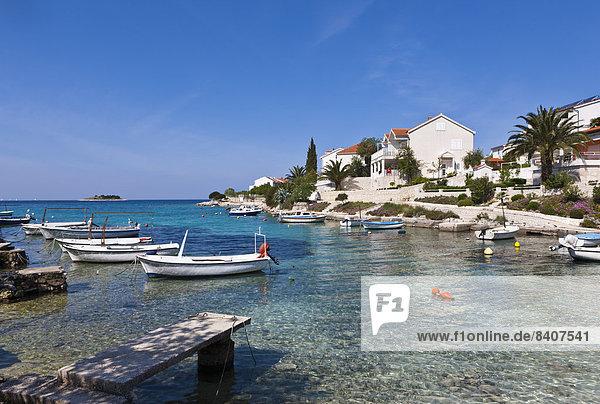 Kroatien  Dalmatien  Rogoznica  Bucht und Hafen
