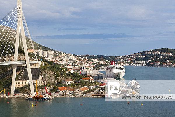 Kroatien  Dubrovnik  Blick auf die Franio Tudjman Brücke