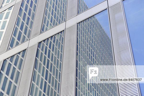 Deutschland  Bayern  München  Teil der Fassade von Highlight Towers