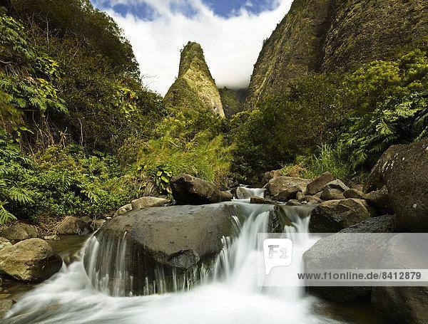Iao Needle  lao Valley State Park  Maui  Hawaii  USA Iao Needle, lao Valley State Park, Maui, Hawaii, USA