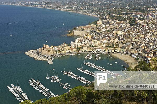 Außenaufnahme Hafen Europa Tag Küste niemand Stadt Großstadt Meer Insel Ansicht Castellammare del Golfo Italien Mittelmeer Sizilien Süditalien