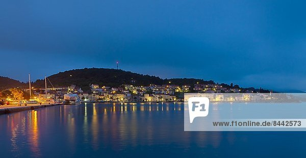 Kroatien  Dalmatien  Blick auf Korcula bei Nacht