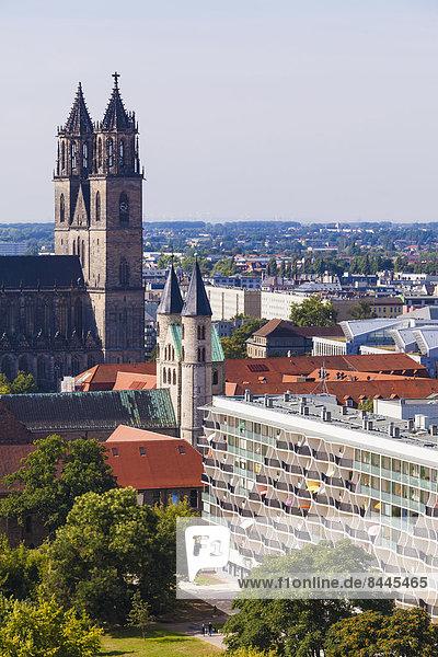 Deutschland  Sachsen-Anhalt  Magdeburg  Stadtbild mit Dom  Kloster und Wohnanlage