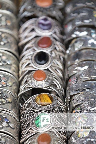 Nordafrika  Tradition  Quadrat  Quadrate  quadratisch  quadratisches  quadratischer  Armband  Silber  verkaufen  Marrakesch  Afrika  Marokko  alt