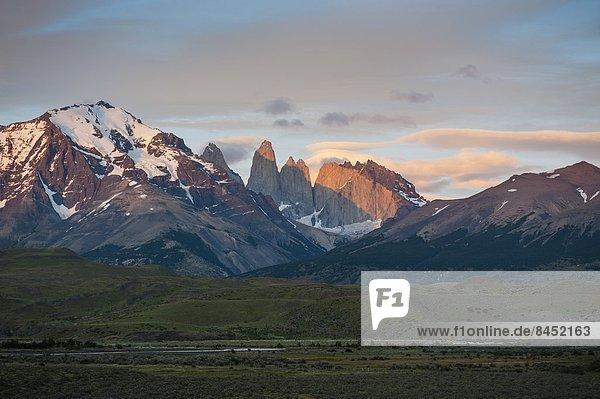 Morgen  Beleuchtung  Licht  über  früh  Chile  Patagonien  Südamerika