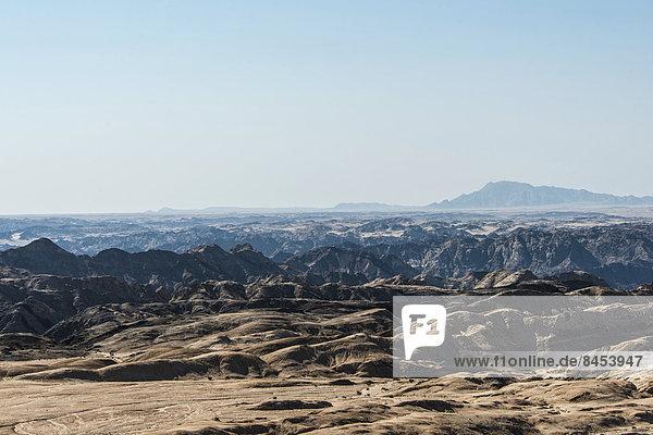 Moon Valley  von Erosion zerfurchte Felsenlandschaft  Namib-Naukluft-Park  Namib-Wüste  Namibia
