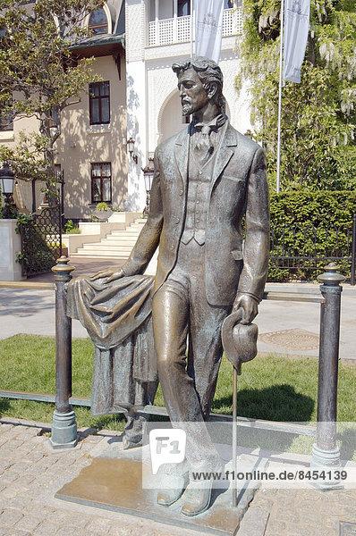 Bronzestatue von Anton Tschechow  bei Jalta  Krim  Ukraine
