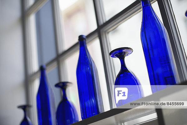leer  Helligkeit  Glas  Innenaufnahme  Cafe  blau