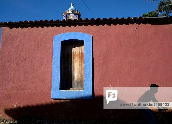 Mann  Wand  fahren  frontal  rot  jung  Fahrrad  Rad  Oaxaca