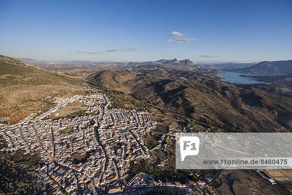Der andalusische Ort Algodonales  Sierra de Cadiz  Sierra de Lijar  Provinz Cadiz  Andalusien  Spanien