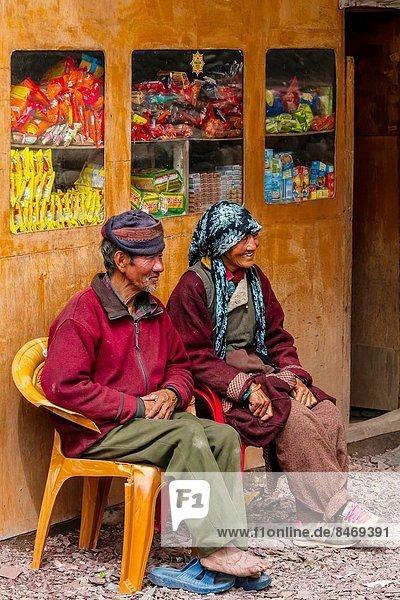 Dorf  Bundesstraße  vorwärts  Himalaya  Indien  Ladakh  Leh
