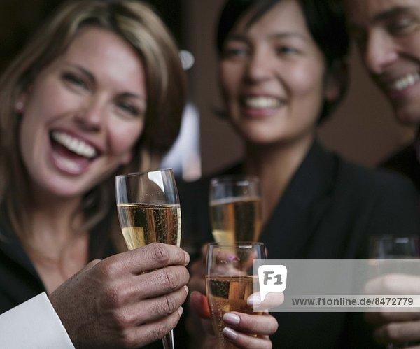 Mensch , Menschen , Menschengruppe,  Menschengruppen,  Gruppe,  Gruppen , jung , trinken , Champagner