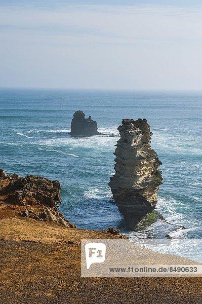 Felsbrocken  Ozean  Fernverkehrsstraße  Anordnung  Insel  Pazifischer Ozean  Pazifik  Stiller Ozean  Großer Ozean  vorwärts  Victoria  groß  großes  großer  große  großen  Australien  Bucht