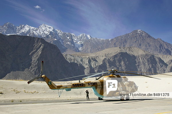 Berg  Tal  Hubschrauber  Hubschrauberlandeplatz  Hubschrauberlandeplätze