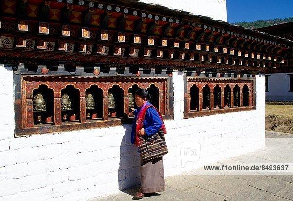 benutzen  Frau  Gebet  Redewendungen  Ethnisches Erscheinungsbild  Dzong  rad