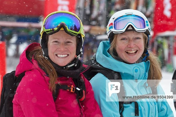 Frauen im Skiurlaub in Kuhtai  Österreich