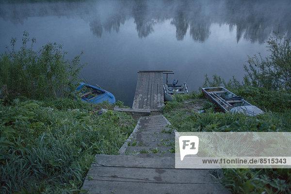 Stilleben  still  stills  Stillleben  Ländliches Motiv  ländliche Motive  See  Dock  Holz