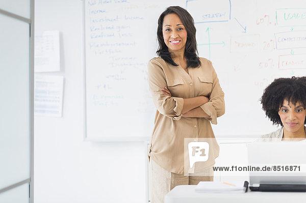 Geschäftsfrau  Büro  amerikanisch