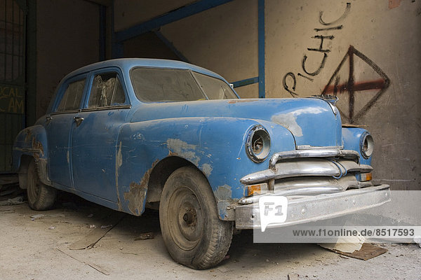 Havanna  Hauptstadt  Auto  Straße  parken  Klassisches Konzert  Klassik  Kuba