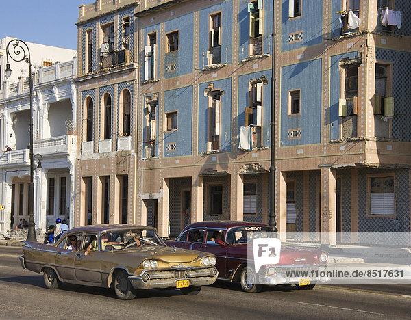 Havanna Hauptstadt Oldtimer fahren Chevrolet Kuba