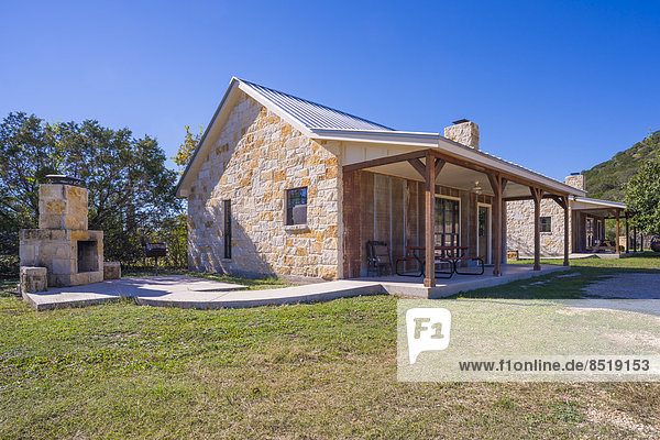 USA  Texas  ßiew at two rustic guest houses