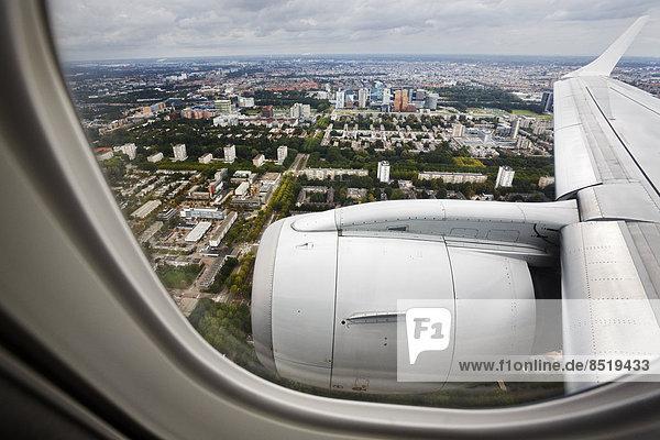 Niederlande  Amsterdam  ßBlick aus dem Flugzeug