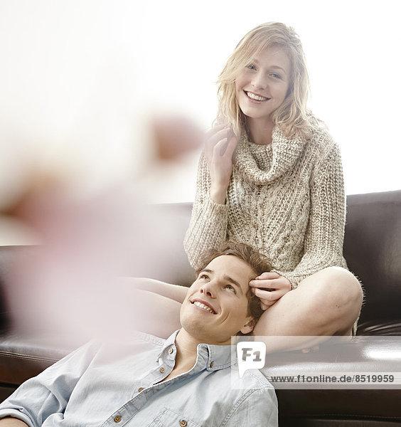 Junges Paar genießt das Zusammensein