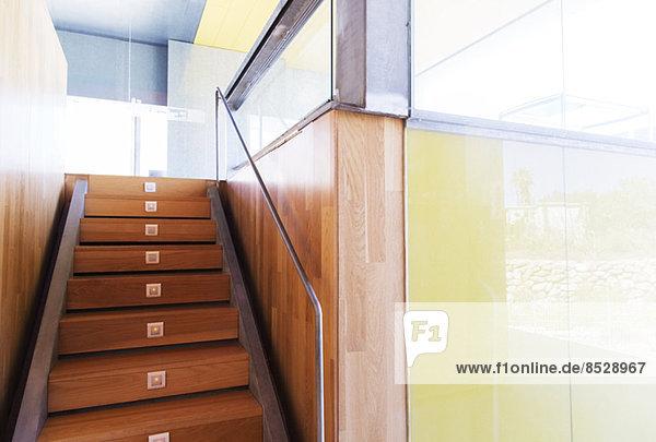Treppenhaus im modernen Büro