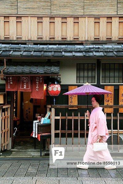 Städtisches Motiv Städtische Motive Straßenszene Straßenszene Geisha Japan Kyoto